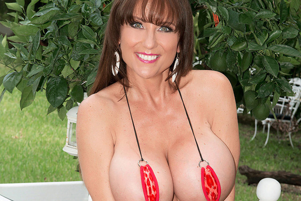 Shelby Gibson Massively Busty MILF